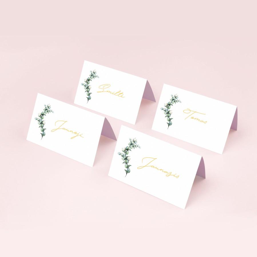 Stalo kortelės su augalo motyvu